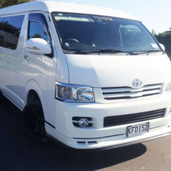 ab-rentals-cheap-car-rentals-in-auckland-toyota-hiace-10-seater